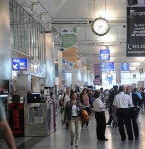 Antalya Havalimanına Nasıl Gidilir?